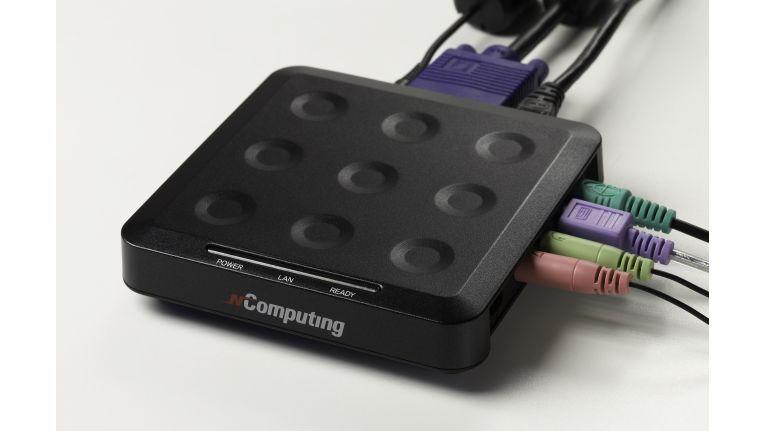 Auch die Netzwerkvariante L230 der Client-Schnittstellen-Box von NComputing ist kaum größer als ein Geldbeutel.