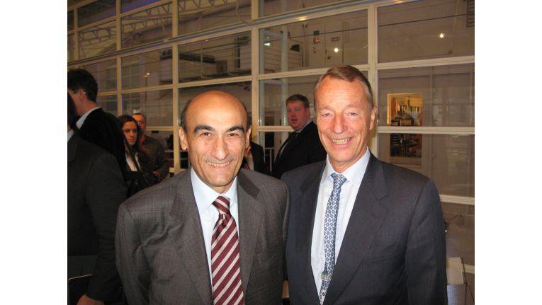 Acer-Präsident Gianfranco Lanci und IOC-Marketingchef Gerhard Heiberg bei der Ankündigung der Partnerschaft in London