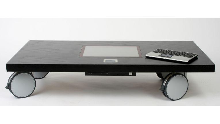 Display und Touchpad sind bündig in die Tischoberfläche eingelassen und wasserfest versiegelt.