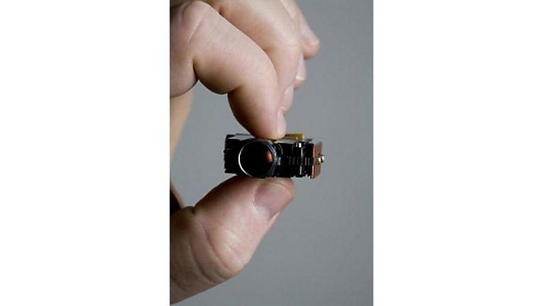Ein LCoS-Chip und eine LED treiben diesen Piko-Beamer von 3M an.