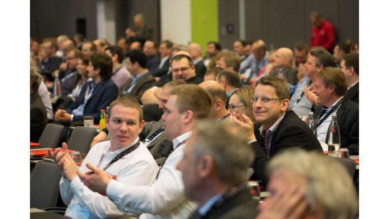 250 Teilnehmer von Vertriebs- und Technologie-Partnern ließen die Konferenz ein Erfolg werden.