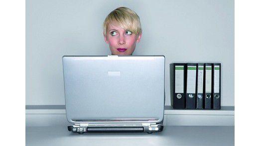 Um an sensible Daten zu kommen, ersteigern Cyber-Kriminelle entweder Laptops oder sie besorgen sich diese, indem sie gezielt die Hilfsbereitschaft von Mitarbeitern im Fundbüro ausnutzen.