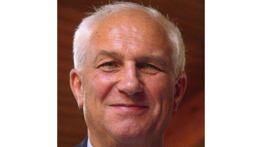 Alan Bryden ist Generalsekretär der ISO, die ihren Sitz in Genf hat. Nationale Institute sind Mitglieder der Standardisierungs-Organisation. Deutschland wird darin vom DIN vertreten.