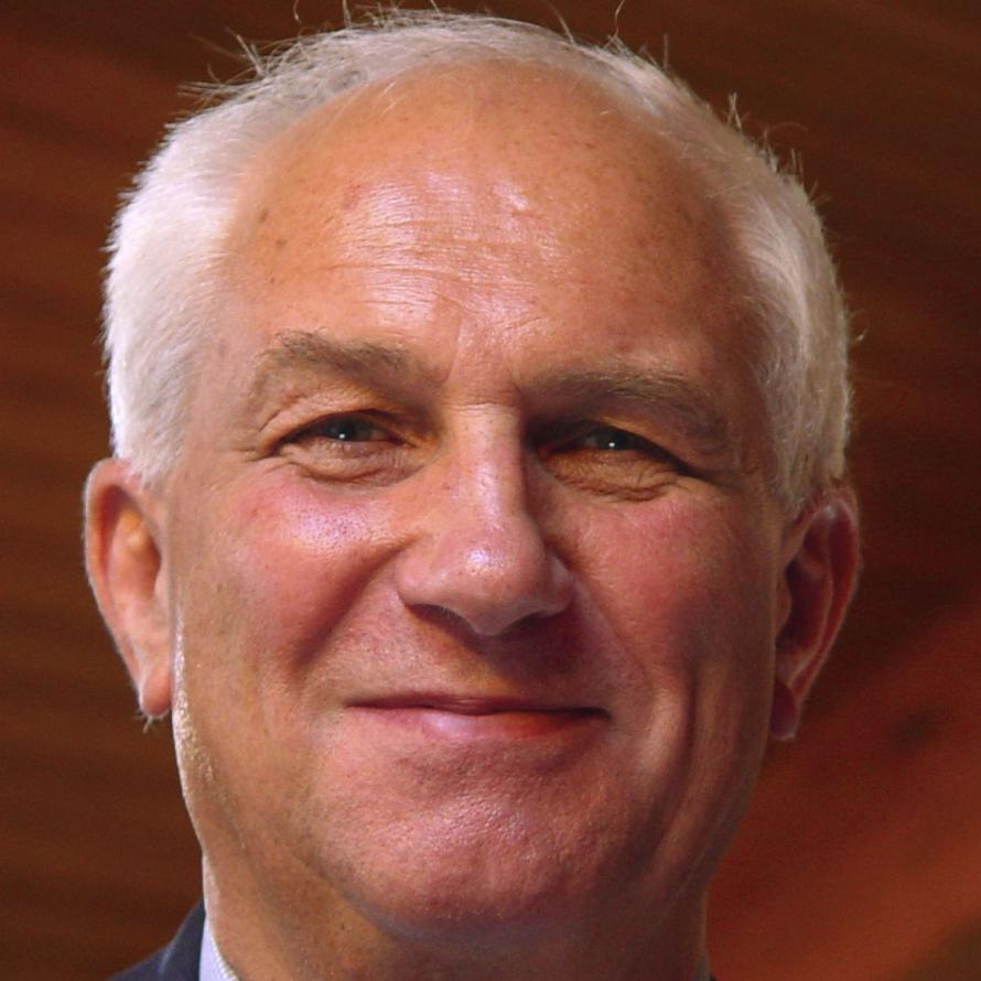 Alan Bryden ist Generalsekretär der ISO, die <b>ihren Sitz</b> in Genf hat. - 890x