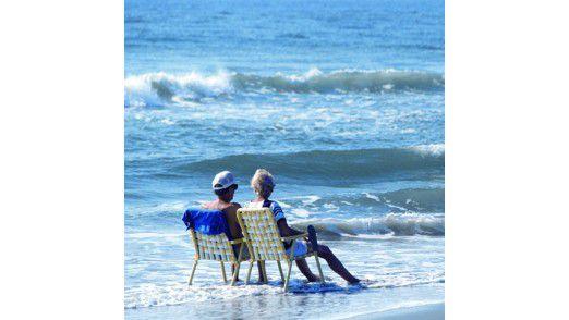 Entspannt am Strand - das muss man sich erst mal leisten können. Zeitlich und finanziell.