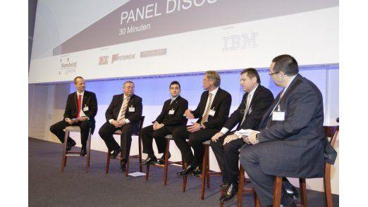 Auf dem Podium der Hamburger IT-Strategietage: (v.l.n.r.) Horst Ellermann, Rainer Janßen, Michael Kollig, Wolfgang Fritz, Friedrich Fröschl und Helmut Krcmar.