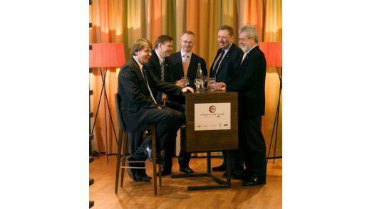 CIOs im Lounge-Test (von links): Paul Schwefer von Continental, Torsten Ecke von E.ON, Thomas Endres von Lufthansa, Joachim Reichel von Wacker Chemie und Peter Kraus von ZF Friedrichshafen.