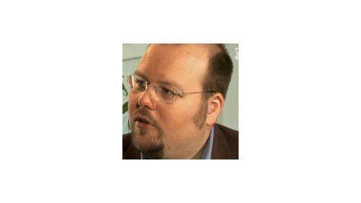 """Thomas Kilian leitet eine Werbeagentur in Ostwestfalen und hat sich auf die Neukunden-Gewinnung im Internet spezialisiert. Der studierte Germanist ist Autor des Buches """"Der Igel-Faktor. Erfolgreiche Neukunden-Gewinnung im Internet"""", das im September im Verlag Businessvillage erscheint."""