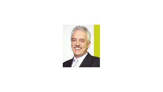 """Michael Rotert, Vorsitzender des Verbandes der Deutschen Internetwirtschaft und Empfänger der ersten Mail in Deutschland: """"Dass das ein Volksmedium werden würde, konnte man nicht erahnen."""""""
