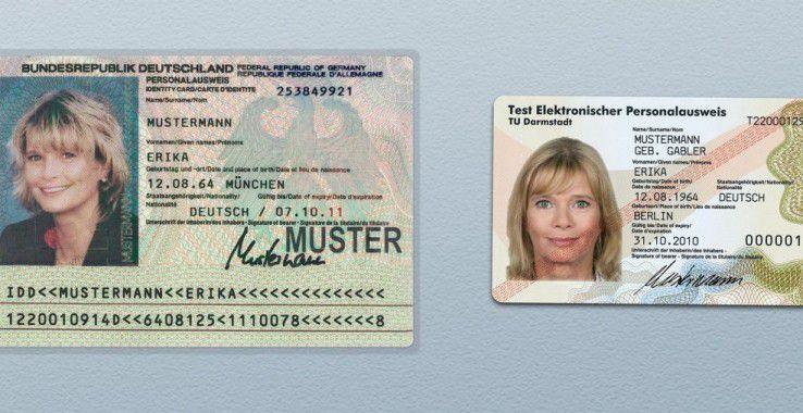Scheckkartenformat: Der neue Personalausweis ist kleiner als der bisherige.