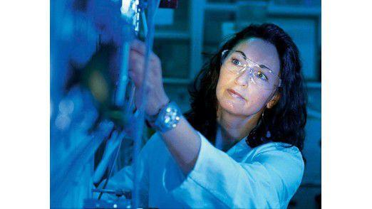 Eine Mitarbeiterin von Süd-Chemie.