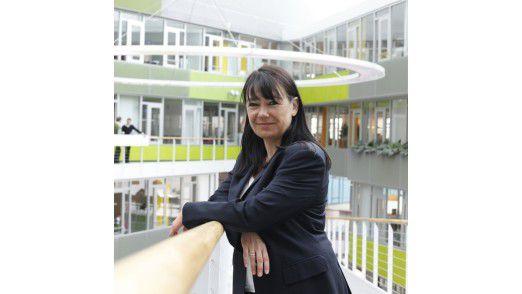 Petra Karbenk, IT-Direktorin von Unilever hat das Hey-Joe-Prinzip durch einen Service-Katalog unterbunden.