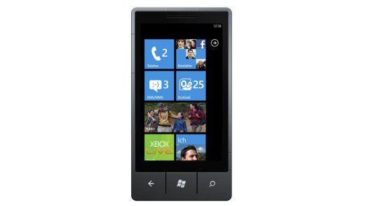 Mit Windows Phone 7 erleidet Microsoft eine Bauchlandung: An das System glauben bei einer Umfrage nur 7,1 Prozent der Mobil-Experten.