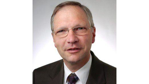 IDC-Analyst Rüdiger Spies geht davon aus, dass Bestandskunden ihre transaktionalen SAP-Systeme nach und nach auf HANA hieven. Für den Komplettumstieg fehlten derzeit das Know-how und die Kapazitäten.