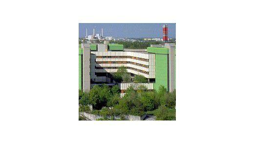 Öffentliches Krankenhaus oder profitoptimierte Fabrik? Das neue Finanzierungsgesetz zwingt den Krankenhäusern abermals drastische Änderungen auf.
