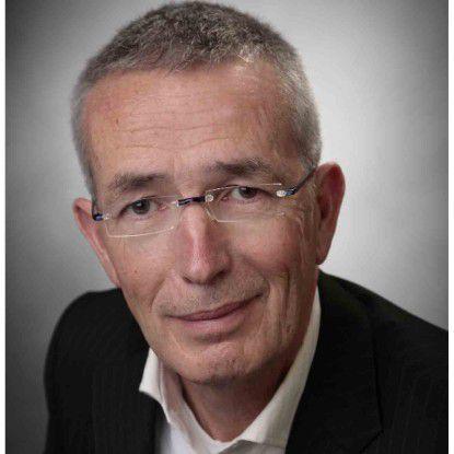 Lothar Lux, Leiter der IT bei der Datev, nimmt die hohen Kosten von Mainframes in Kauf. Mehr Kopfschmerzen bereiten ihm die Software-Lizenzen für diese Technologie.