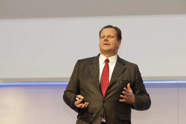 Bekennender iPad-Fan: SAP-CIO Oliver Bussmann auf den Hamburger IT-Strategietagen