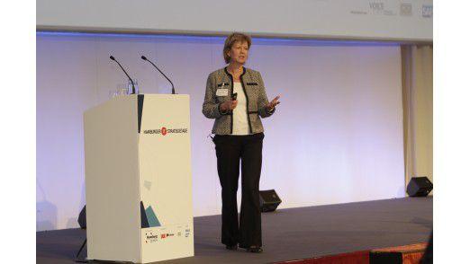 Barbara Saunier, CIO des weltweiten Kosmetikkonzerns Beiersdorf (Nivea), auf den Hamburger IT-Strategietagen 2012.