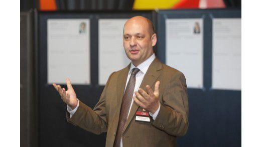 Edgar Aschenbrenner, CIO bei E.ON, wettete, dass es in zehn Jahren keinen Job mehr ohne IT gibt – 26 Gegenstimmen.