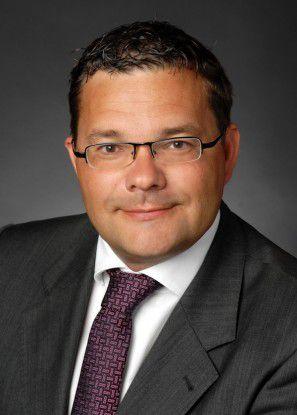 Andreas Schumann hat eine Idee, wie er die Bürger für De-Mail und E-Postbrief interessieren kann: Datenschutz.