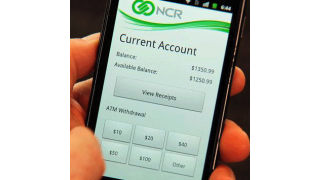 Per Smartphone-App: Bargeld ohne PIN mit 2D-Barcode mobil abheben - Foto: NCR
