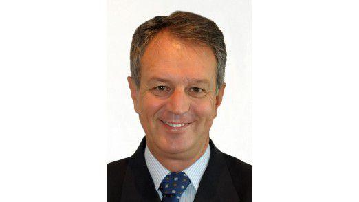 """""""Cloud Computing schafft keine IT-Jobs ab. Aber es verändert sie"""", sagt Marco Comastri, seit Herbst 2011 EMEA-Chef von CA Technologies."""