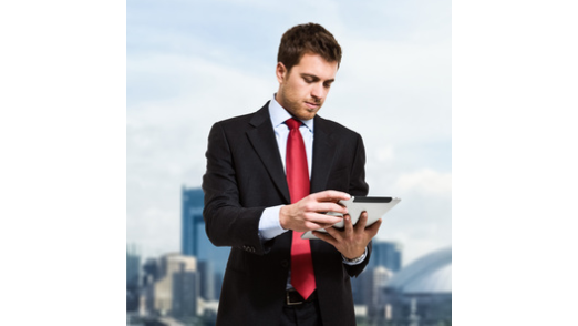 Versicherungsverträge komplett online abwickeln: Die Bayerische bietet Beratern und Kunden digitalen Komfort vom Antrag bis zur Unterschrift.
