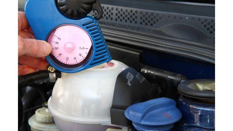Kühler-Frostschutz prüfen