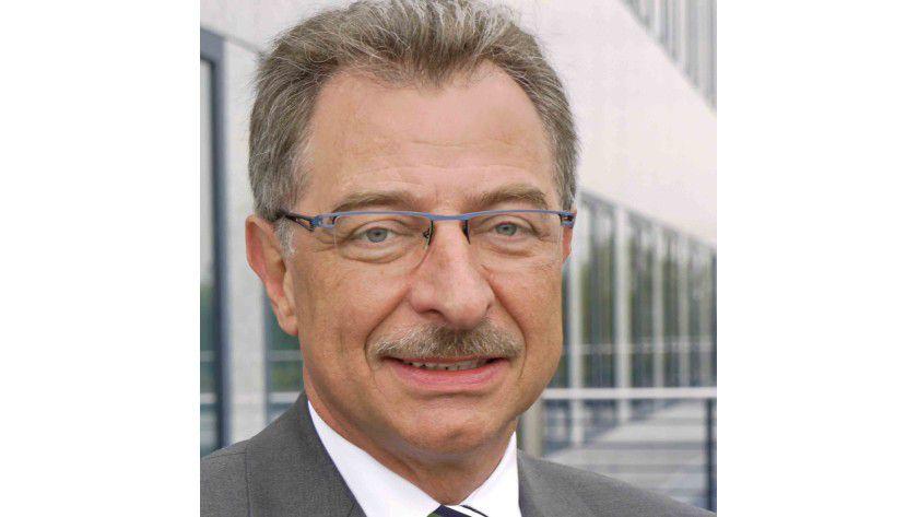 """BITKOM-Präsident Dieter Kempf: """"Arbeitgeber und Arbeitnehmer sollten klare Vereinbarungen über Arbeitszeiten und Erreichbarkeit treffen."""""""