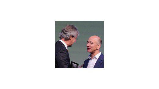 Amazon-Boss Jeff Bezos erhält den NRF-Preis für seine Leistungen beim Aufbau seines Online-Shops.