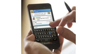 Touchscreen-Flaggschiff: Blackberry Z10 im Test - Foto: Blackberry