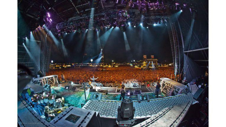 Acht Bühnen und mehr als 100 Bands: Mit einer Zusammenarbeit auf Basis von E-Mails und Druckern lässt sich die Aufgabe schon seit Jahren nicht mehr bewältigen.