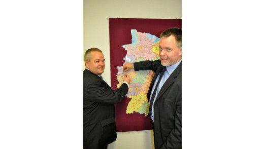 Marcus Jordan (rechts im Bild) baute einen Betreuungsdient in Mülheim an der Ruhr auf, Ralf Kiwitt in Leverkusen.