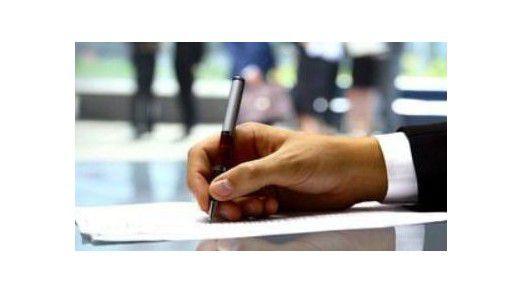 Bevor der Vertrag mit dem Outsourcing-Partner unterschrieben ist, holen sich viele CIOs Beratung.