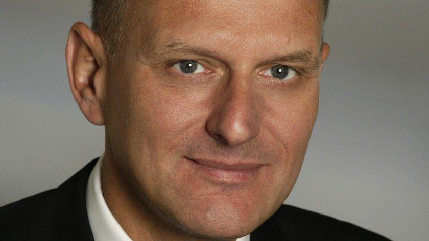 Dr. Marcus Eul ist Partner und Vice President bei A.T. Kearney in Düsseldorf und leitet das dortige Büro. Als Mitglied der Strategic Information Technology Practice berät er Unternehmen aus Telekommunikation, Energiewirtschaft und Fertigungsindustrie in allen strategischen IT-Fragestellungen.