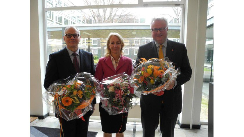 Von links: Ex-CIO Horst Westerfeld, die Finanzstaatssekretärin Bernadette Weyland und Finanzminister Thomas Schäfer bei der Verabschiedung.