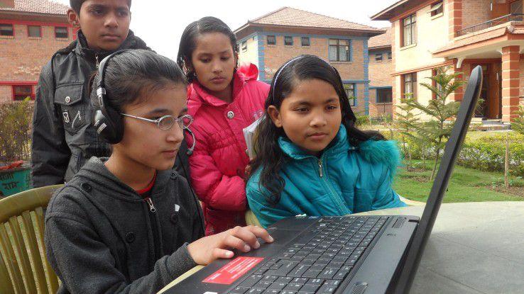 Die IT kommt direkt beim Kind an: SOS Kinderdorf Lumbini, Nepal.