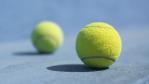 Selbstmobilisation mit zwei Tennisbällen: Rückenübungen für die Mittagspause - Foto: Sondem - Fotolia.com