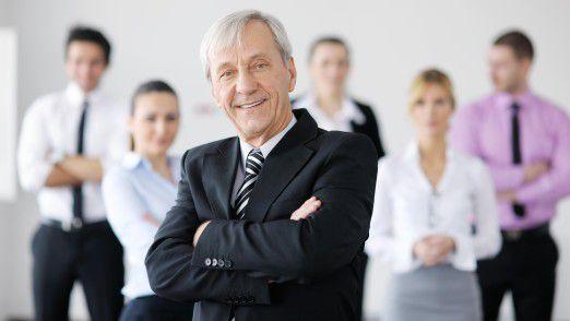 Teammitglieder beobachten in der Regel sehr genau, ob ihre Führungskraft auch nach oben führen kann oder nicht.