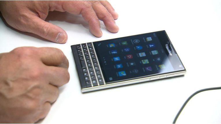 OS10-Geräte wie das Blackberry Passport bekommen weiter Updates, ob Nachfolger kommen ist noch ungewiss.