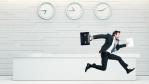 Zeit ist Geld: Was passiert, wenn Arbeitszeit verloren geht? - Foto: kantver/Fotolia