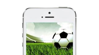 Für iOS und Android: Die besten kostenlosen Apps zum Bundesliga-Start - Foto: Apple & Fotolia/Signtime