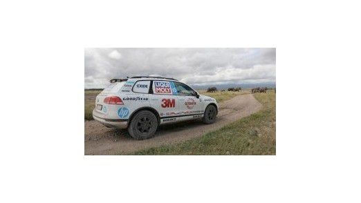 """Im September begab sich Rekordfahrer Rainer Zietlow im Rahmen der """"Cape to Cape Challenge 2014"""" in seinem Connected Car auf die Fahrt um den halben Globus."""