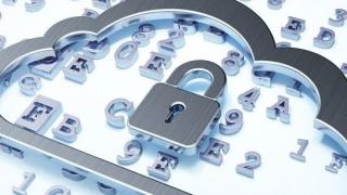 IT-Security und Datenschutz: 9 Anforderungen an einen Cloud-Vertrag - Foto: maxkabakov, Fotolia.com