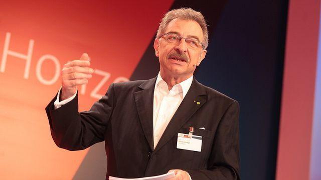 Bitkom-Präsident Dieter Kempf bei der Eröffnung. Er will auch die Bürger überzeugen.
