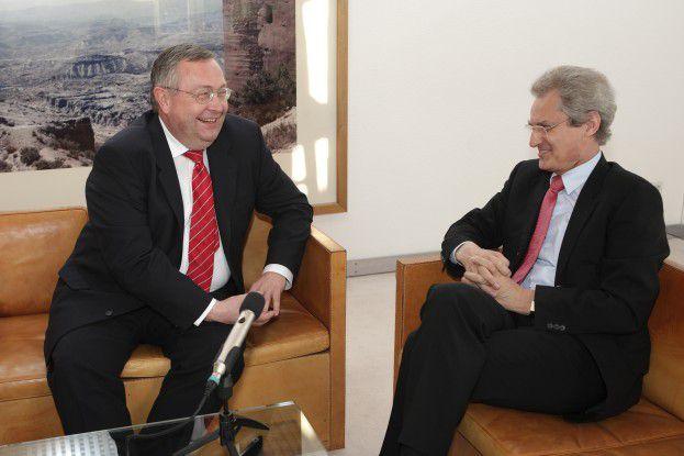 Münchner-Rück-CIO Rainer Janßen (links) und SAP-Chef Henning Kagermann sprachen sich aus.