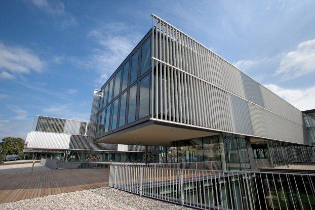 Die Donau Universität in Krems bietet Weiterbildungskurse zum Thema Business Intelligence an.