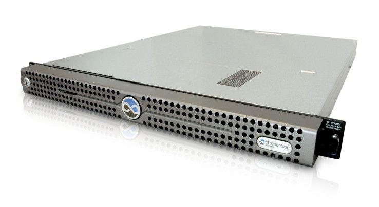 Der Daten-Turbo AS1000: Zwischen Web-Server und Netzwerk soll er die Performance von Web-Anwendungen beschleunigen.