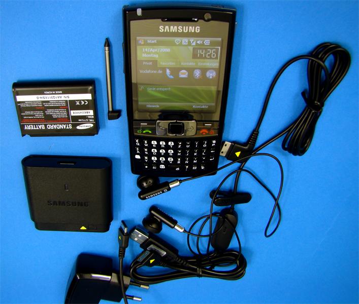 Inhalt: Die Packung des SGH-i780 ist gut gefüllt.